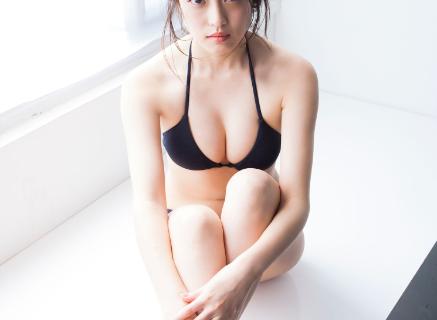 今田美桜 水着画像